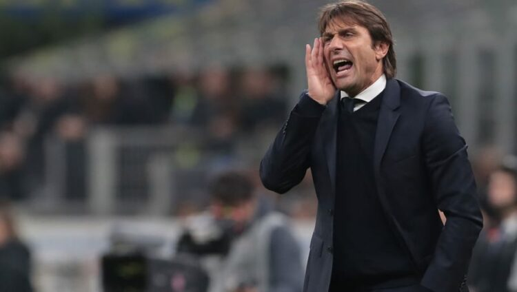 Huấn luyện viên Antonio Conte